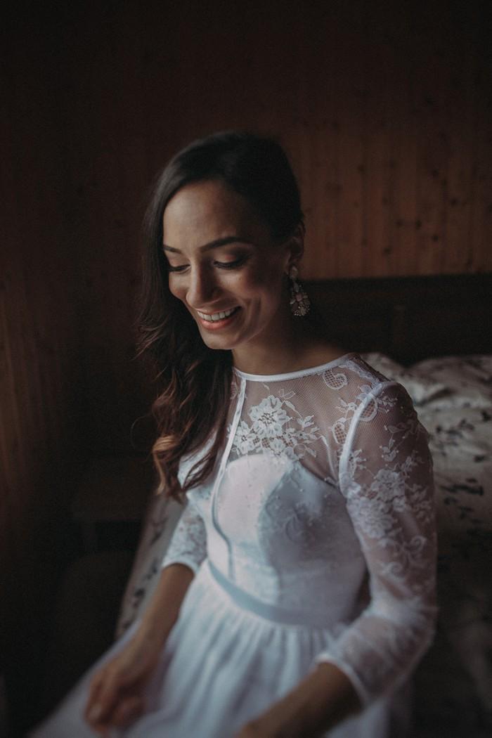 Bride-inspiration-Iceland-Elopement