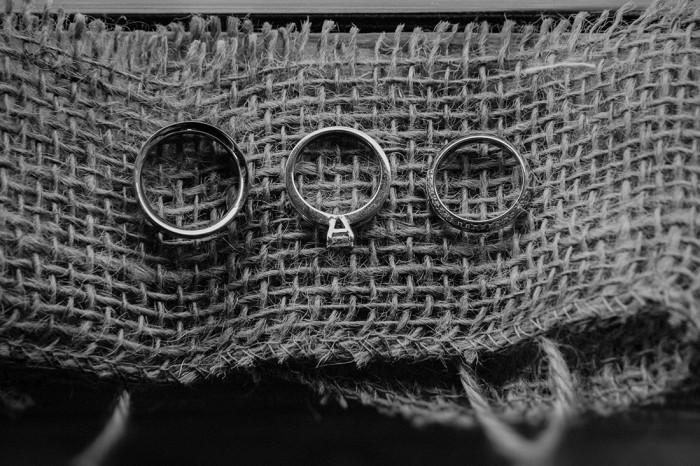 Wedding rings_Iceland Elopement