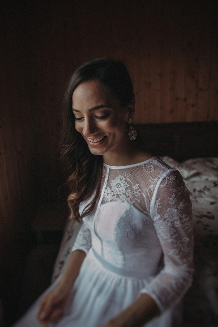 Bride-inspiration-Iceland-Elopement