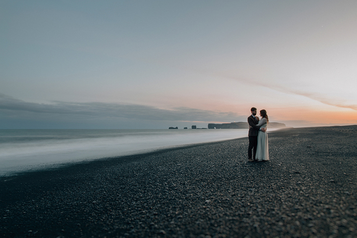 Vik-black-sand-beack-wedding